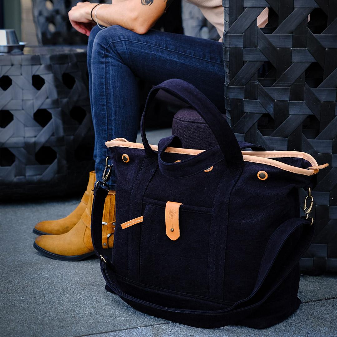Cheyne-tote-bag-black-image-4