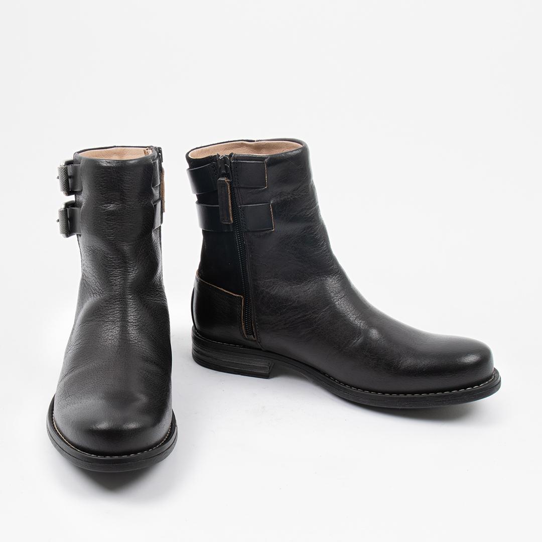 Style: Coney W Black