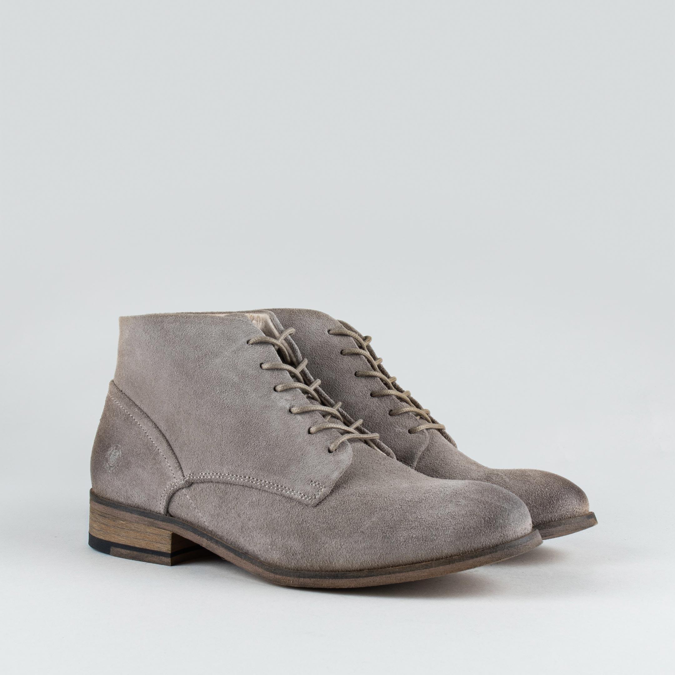 Hanger Boot W Grey